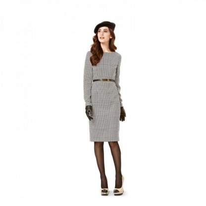 Burda Style - Patron Femme Robe Cintrée n°7137 du 36 au 54