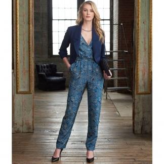 Simplicity – Patron Femme Combinaison avec Jambes Droites ou Larges, Robe et Veste n°7931 du 32 au 48