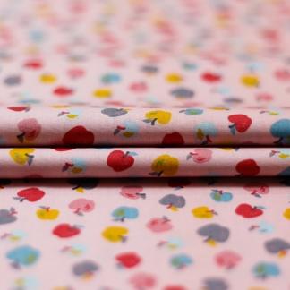 """Poppy - Tissu Popeline de Coton Imprimé Pommes """"Sweet Apples"""" sur le Fond Rose"""