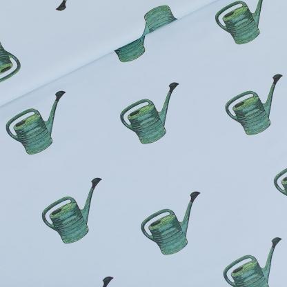 See You at Six - Tissu Sergé Gabardine de Coton Imprimé Arrosoirs « Watering Cans » sur le Fond Bleu Clair
