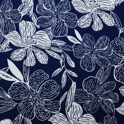 Sélection Coup de coudre - Tissu Toile de Lin et Viscose Imprimé Gros Fleurs sur le Fond Bleu Marine