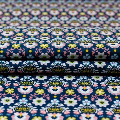 Poppy - Tissu Velours Milleraies Imprimé Fleurs sur le Fond Bleu