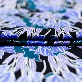Sélection Coup de coudre - Tissu Satin de Viscose Imprimé Tulipes Bleus sur le Fond Noir