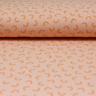 """Poppy - Tissu Double Gaze de Coton Imprimé Arcs-en-Ciel """"Pretty Rainbows"""" sur le Fond Rose Abricot"""