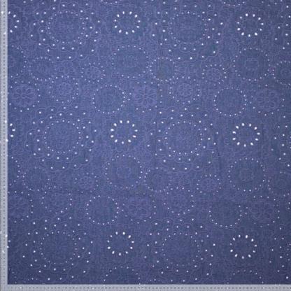 Sélection Coup de coudre - Tissu Denim de Coton Rebrodé Grand Fleurs Uni Couleur Bleu Indigo