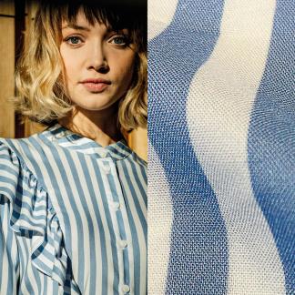 Fibre Mood - Tissu Popeline de Viscose à Rayures Bleu Ciel sur le Fond Blanc