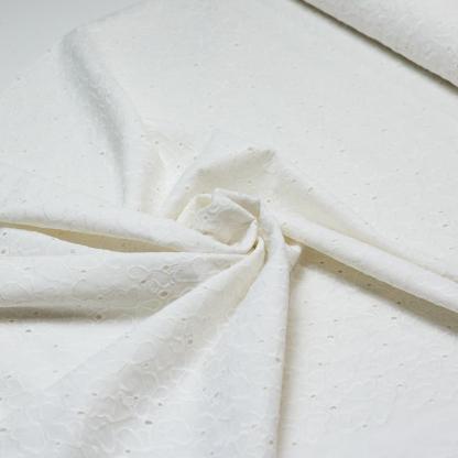 Sélection Coup de coudre - Tissu Popeline de Coton Broderie Anglaise Ajouré Papillons Uni Couleur Blanc Crème