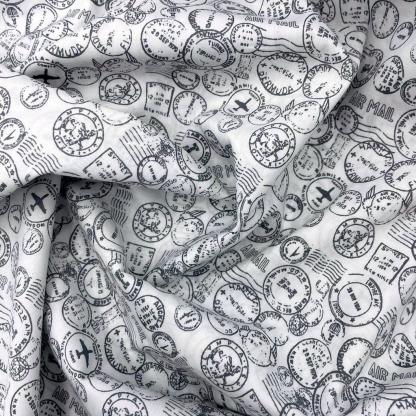 Sélection Coup de coudre - Tissu Popeline de Coton Imprimé Timbres Poste sur le Fond Blanc