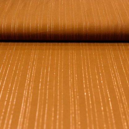 Sélection Coup de coudre - Tissu Challis de Viscose aux Fines Rayures Lurex sur le Fond Cappuccino