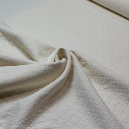 Sélection Coup de coudre - Tissu Toile de Coton Matelassé aux Losanges Uni Couleur Blanc